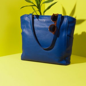 Minimal tote bag Jaxsen Blueberry advertising 01