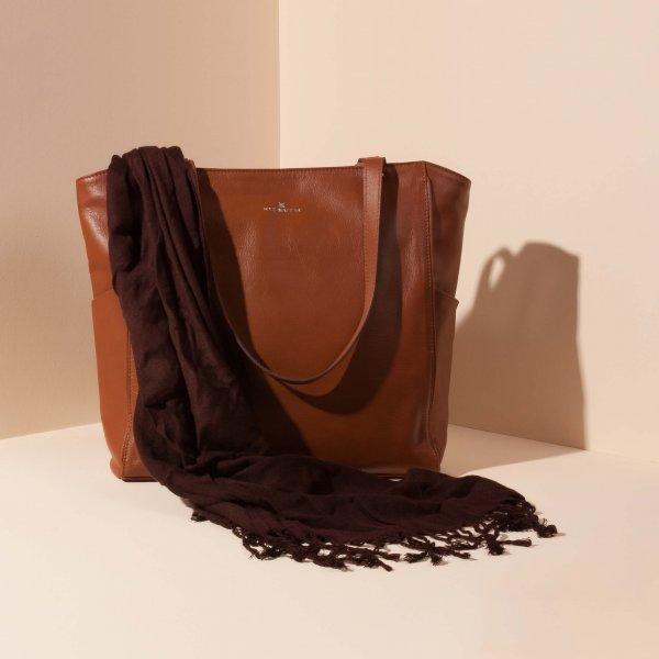 กระเป๋าหนัง JAXSEN น้ำตาล advertising 02