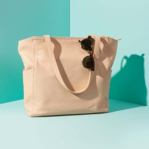 Minimal tote bag Jaxsen Vanilla advertising 02